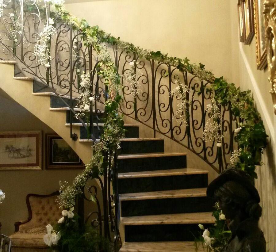 Decoraci n floral en flores comos flores comos catarroja for Escaleras de adorno